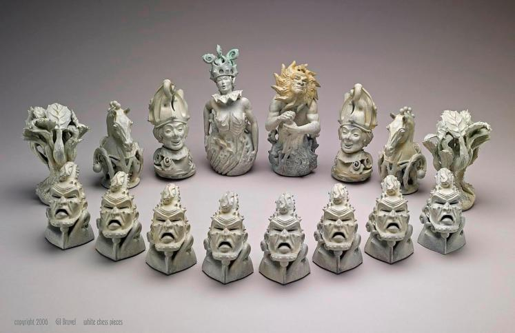 Gil Bruvel Chess Set White